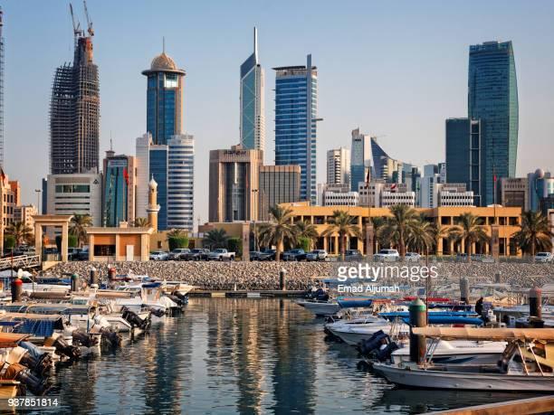souq sharq marina in kuwait city - samenwerkingsraad van de arabische golfstaten stockfoto's en -beelden