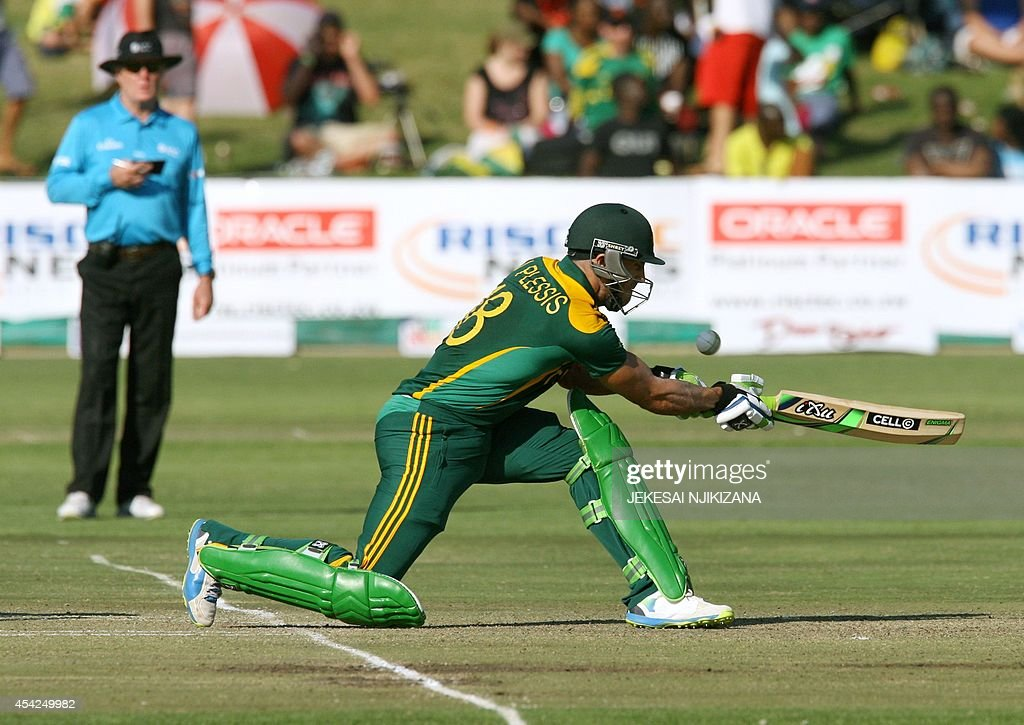 South Africa batsman Faf du Plessis bats during a cricket match between Australia and South Africa, part of the one day international tri-series at the Harare Sports Club, on August 27, 2014.