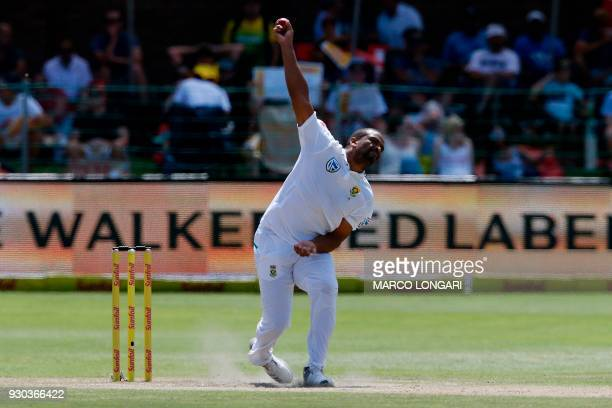 South Africa bowler Vernon Philander delivers the ball during day three of the second Test cricket match between South Africa and Australia at St...