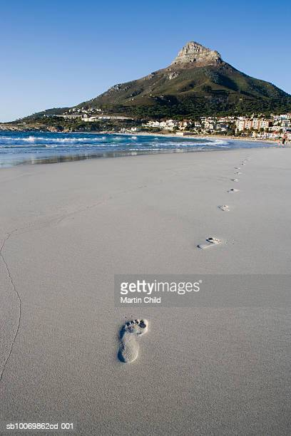 South Africa, Cape Town, Camps Bay, Lion's Head, footprints in sand