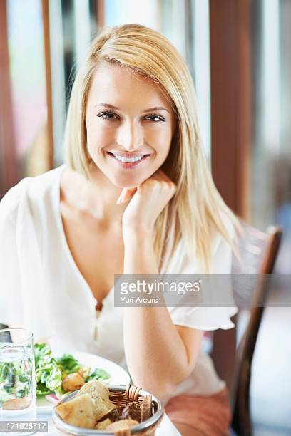 South Africa, Cape Town, Woman eating lunch