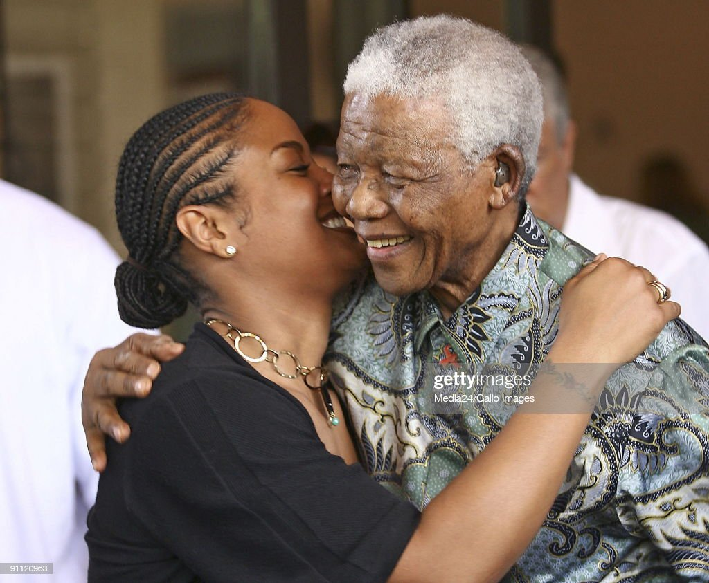 South Africa, Johannesburg. Laila Ali, daughter of Mohamed Ali, meets Nelson Mandela at the Nelson Mandela Foundation.
