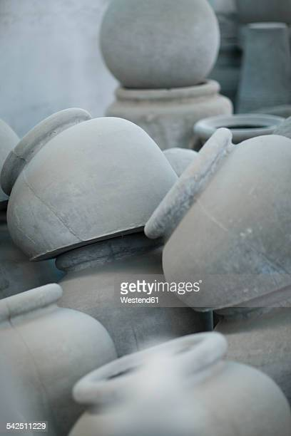 south africa, pots and molds in pot factory - vaso de barro imagens e fotografias de stock