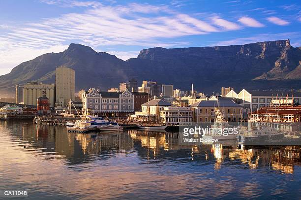 south africa, west cape, capetown, waterfront - table mountain stock pictures, royalty-free photos & images