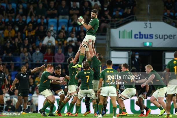 South Africa wins the line out during The Rugby Championship match between the South Africa Springboks and New Zealand All Blacks at Cbus Super...