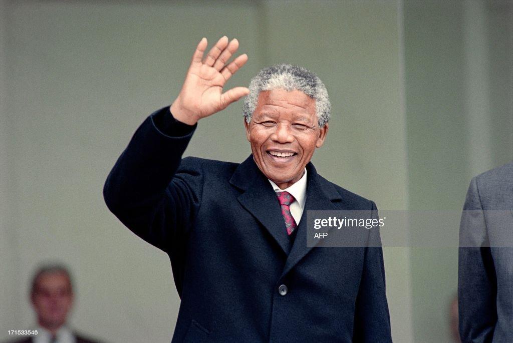 BIO-MANDELA-FRANCE : Nachrichtenfoto