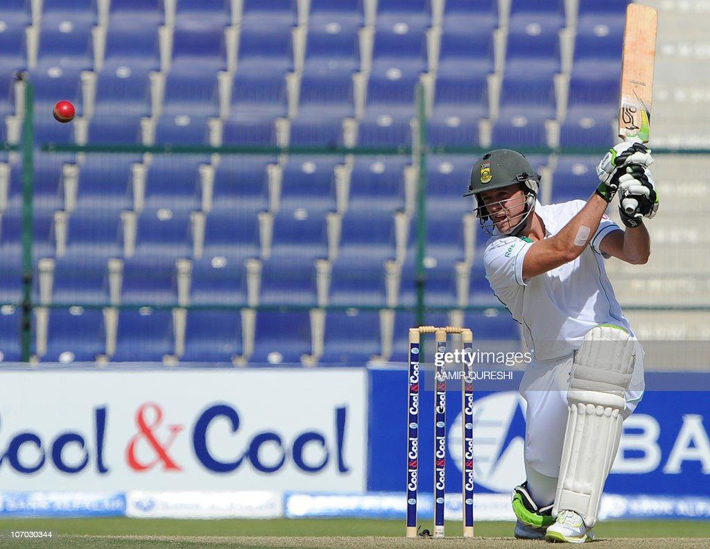 South African batsman AB de Villiers pla : News Photo