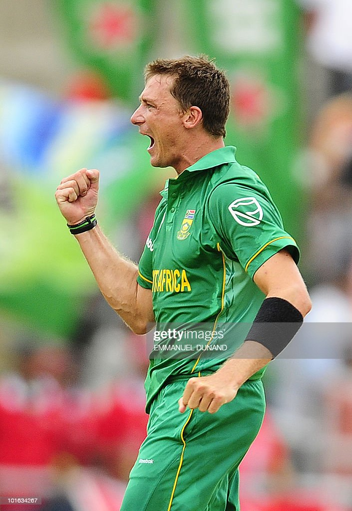 South African bowler Dale Steyn celebrates after taking the wicket of West Indies batsman Dwayne Bravo during the third ODI between the West Indies and South Africa on May 28, 2010 at Windsor Park in Roseau, Dominica. South Africa won by 67 runs to win the five match series with a lead of 3-0 and two matches to go. AFP PHOTO/Emmanuel Dunand