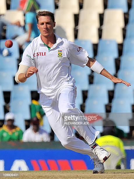South African bowler Dale Steyn tries to catch out Indian batsman Virender Sehwag on the third day of the first Test at SuperSport Park in Centurion...