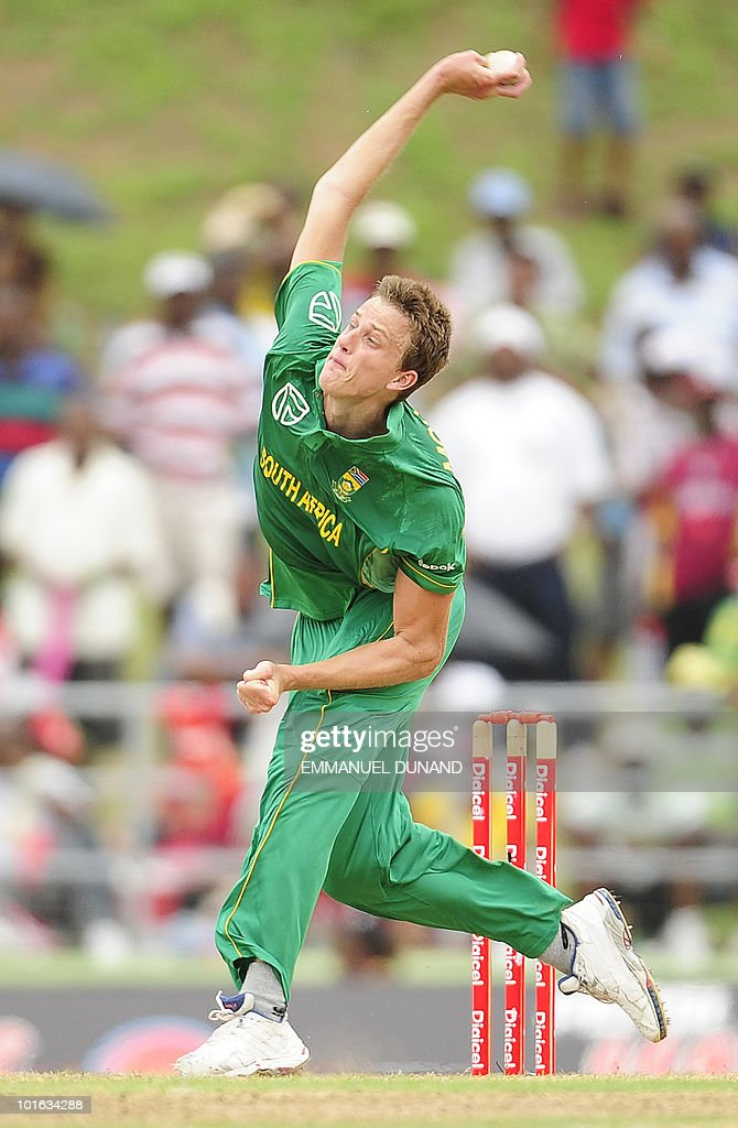 South African bowler Morne Morkel delivers a ball during the third ODI between the West Indies and South Africa on May 28, 2010 at Windsor Park in Roseau, Dominica. South Africa won by 67 runs to win the five match series with a lead of 3-0 and two matches to go. AFP PHOTO/Emmanuel Dunand