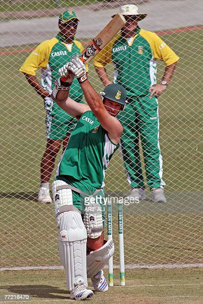 South African cricketer Graeme Smith plays a stroke during a training session on the eve of the second Test match between Pakistan and South Africa...