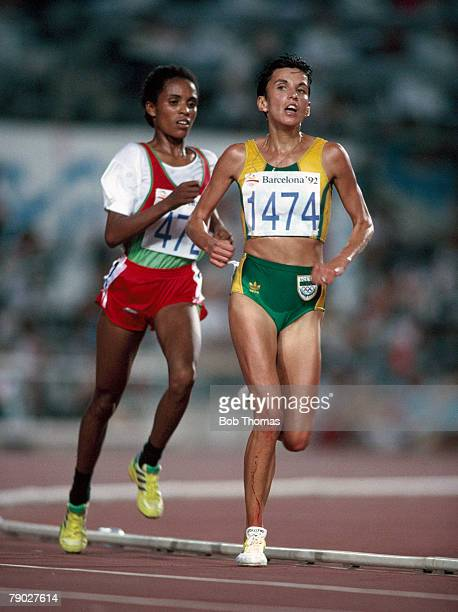 South African long distance runner Elana Meyer leads from Ethiopian athlete Derartu Talu in the final of the Women's 10000 metres event at the 1992...