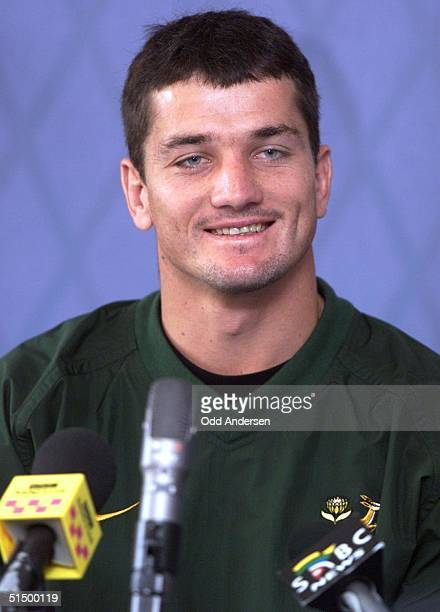 South African national rugby team captain Joost Van Der Westhuizen smiles at a question during a pressconference in Edinburgh 01 October 1999 The...