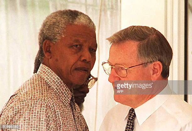 South African President Nelson Mandela and New Zealand Prime Minister and Commonwealth Heads of Government Meeting chairman Jim Bolger meet 11...