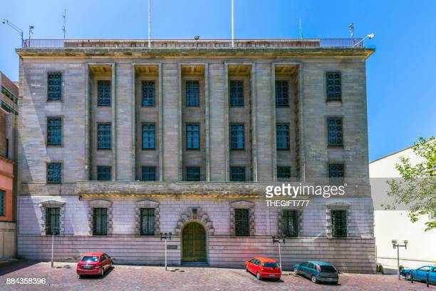 south african reserve bank in port elizabeth - central bank stock pictures, royalty-free photos & images