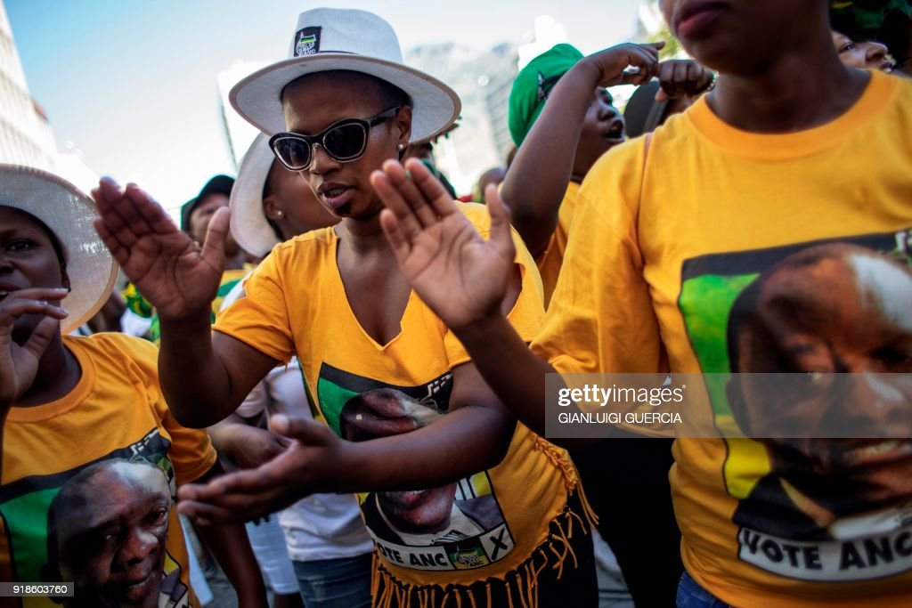 TOPSHOT-SAFRICA-POLITICS-PRESIDENT : News Photo