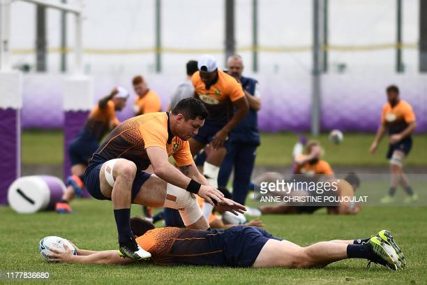 South Africa's back row Francois Louw takes part in a training session at Fuchu Asahi Football Park in Tokyo on October 24 ahead of their Japan 2019...