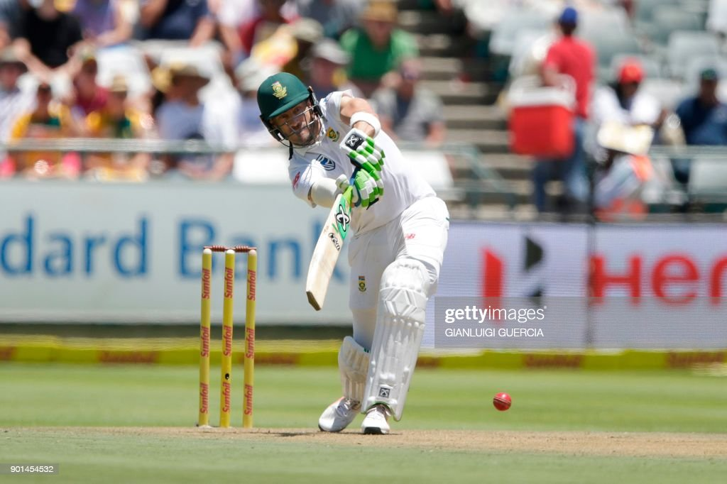 South Africa's batsman Faf du Plessis plays a shot during the first day of the first Test cricket match between South Africa and India at Newlands cricket ground on January 5, 2018 in Cape Town. /