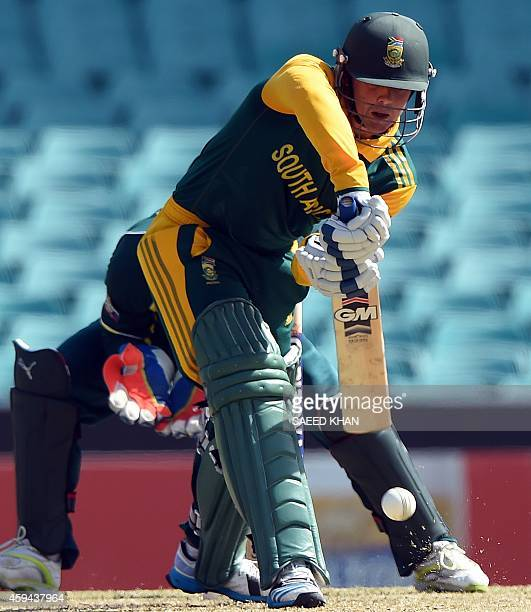 South Africa's batsmen Quinton De Kock plays a shot against Australia during the fifth one day international in Sydney on November 23 2014 AFP PHOTO...