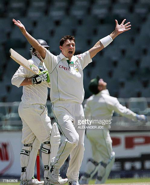 South Africa's bowler Dale Steyn celebrates dissmising New Zealand's batsman Scott Styris for 16 runs during the 4th day of the first Cricket Test...