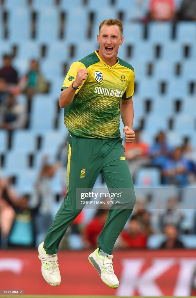 South Africa's Chris Morris reacts to a possible leg before wicket (LBW) decision during the second T20I cricket match between South Africa and India at Super Sport Park Stadium in Pretoria on February 21, 2018. / AFP PHOTO / Christiaan Kotze