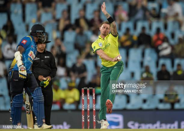 South Africa's Dale Steyn bowls during the second Twenty20 international cricket match between South Africa and Sri Lanka at SuperSport Park Stadium...