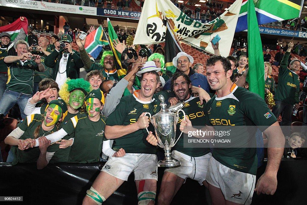 South Africa's Jean De Villiers (L), Vic : News Photo