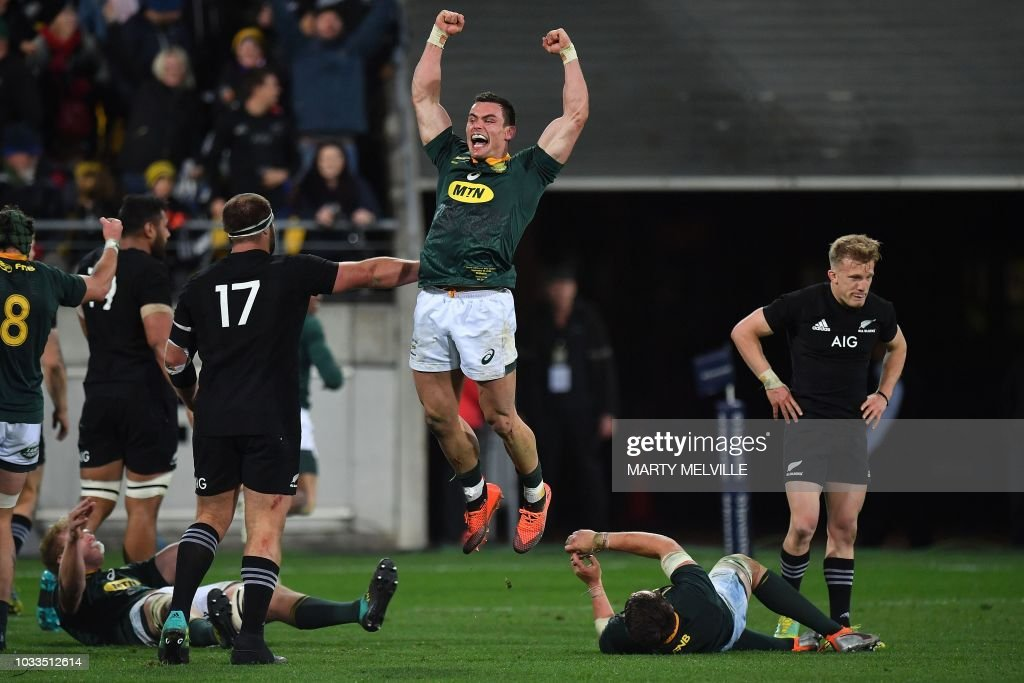 TOPSHOT-RUGBYU-RC-2018-NZL-RSA : News Photo