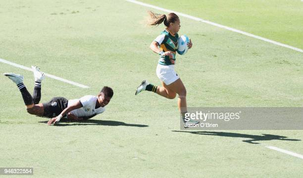 South Africa's Mathrin Simmers runs in to score a try agai nst Fiji during Rugby Sevens on day 11 of the Gold Coast 2018 Commonwealth Games at Robina...