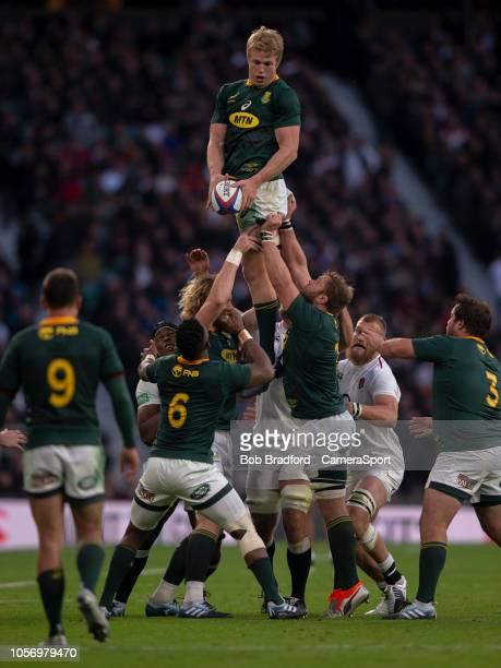 South Africa's Pieter-Steph du Toit claims the lineout during the Quilter International match between England and South Africa on November 3, 2018 in...