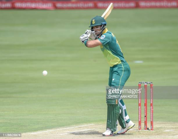 South Africa's Reeza Hendricks bats during the second oneday international ODI cricket match South Africa versus Sri Lanka at the Centurion's...