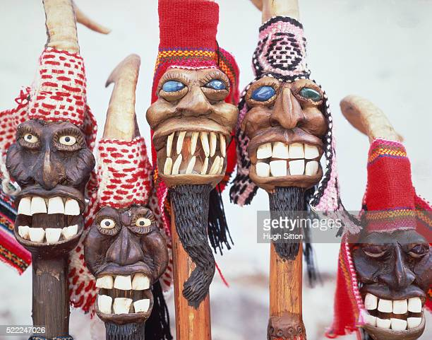 south america/peru: wooden figures, half - hugh sitton stock pictures, royalty-free photos & images