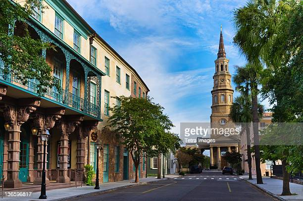 usa, south carolina, charleston, church street, dock street theater, st. philip's church - template_talk:south_carolina stock pictures, royalty-free photos & images