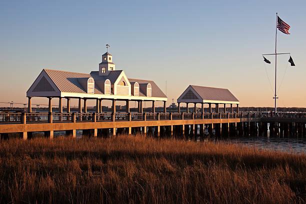 USA, South Carolina, Charleston, Pier at sunrise