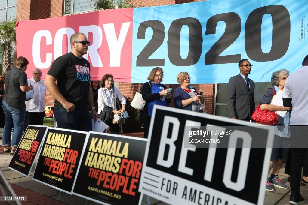 US-POLITICS-VOTE-2020-DEMOCRATS : News Photo