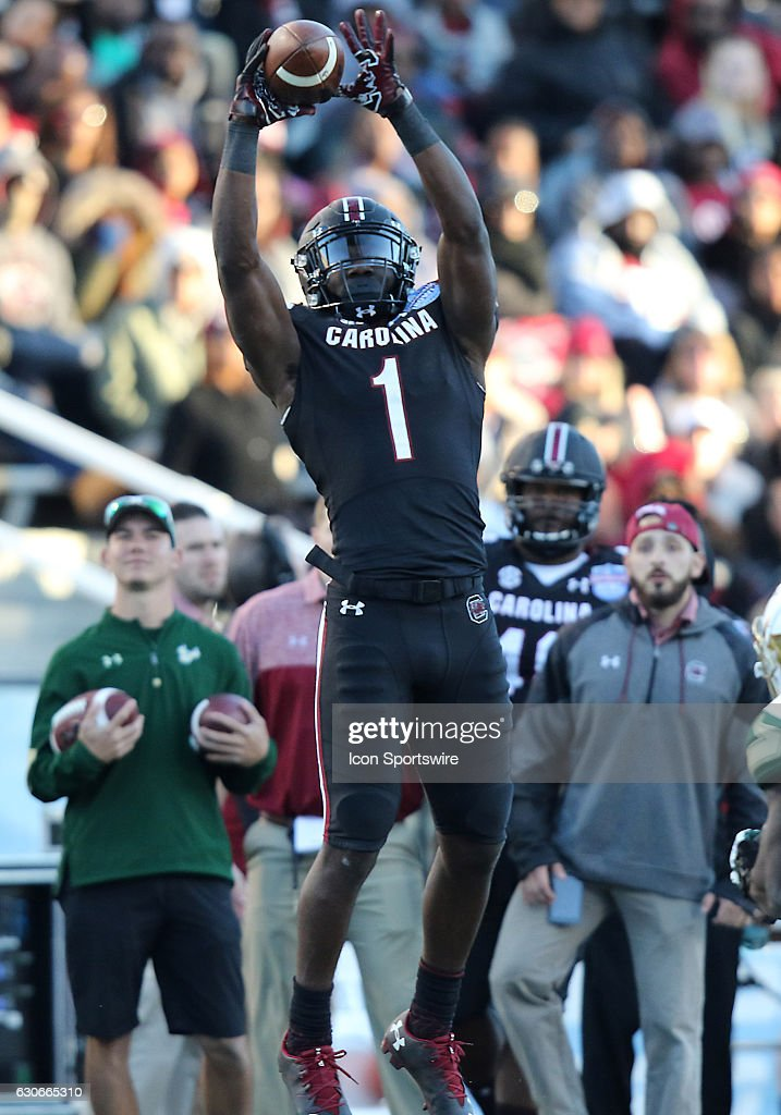 NCAA FOOTBALL: DEC 29 Birmingham Bowl - South Florida v South Carolina : News Photo