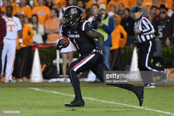 South Carolina Gamecocks wide receiver Deebo Samuel runs the ball during the college football game between the Tennessee Volunteers and the South...