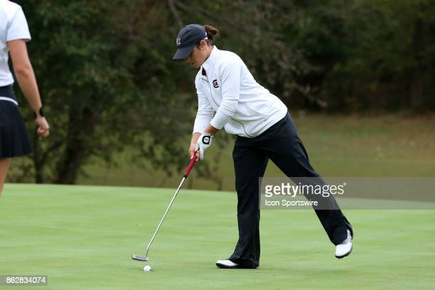South Carolina's Ana Pelaez taps in on the 12th green during the first round of the Ruth's Chris Tar Heel Invitational Women's Golf Tournament on...