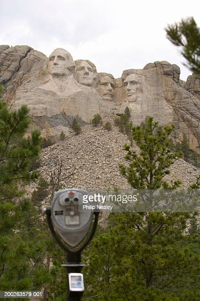 usa, south dakota, mount rushmore national memorial, binoculars - usa - fotografias e filmes do acervo