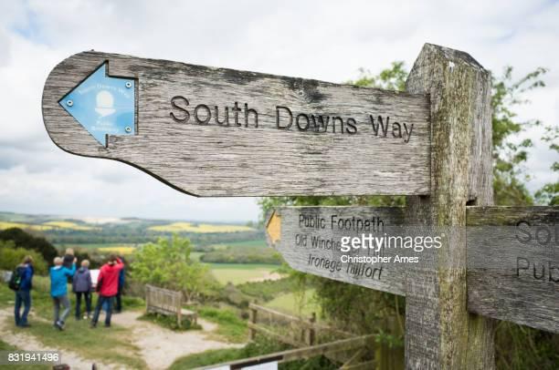 south downs way öffentlichen fußweg - portsmouth hampshire stock-fotos und bilder