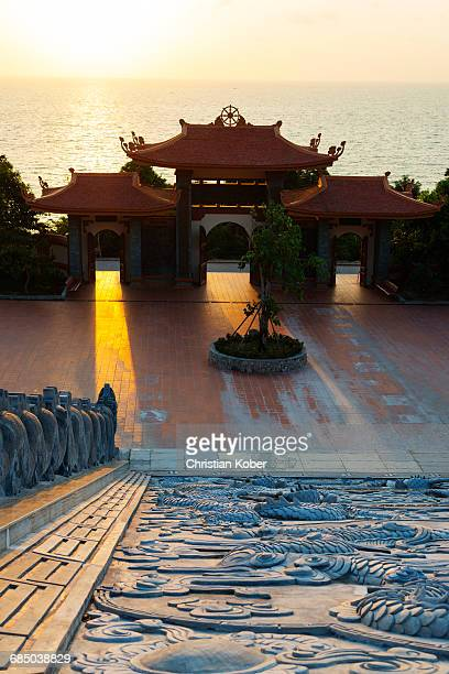 south east asia, vietnam, phu quoc island, thien vien truc lam ho temple - pagoda stock pictures, royalty-free photos & images