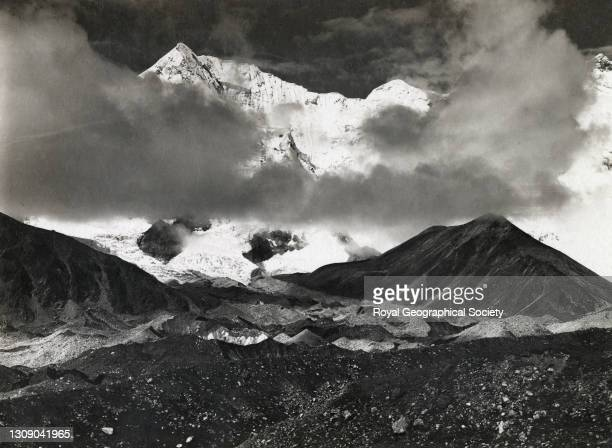 South east ridge of Mount Everest from head of Kama Chu. By George Leigh Mallory. Mount Everest Expedition 1921.