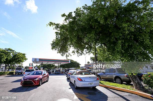 South Florida residents line up to get gas in preparation for Hurricane Matthew on October 5 2016 in Fort Lauderdale Florida The hurricane has...