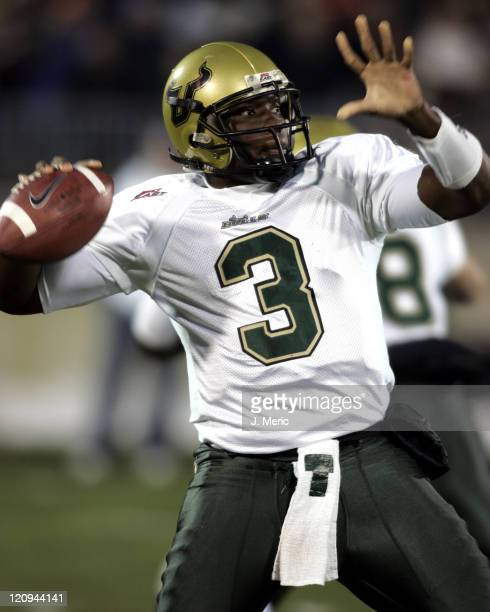 South Florida's Pat Julmiste looks for a completion in Saturday's game against the University of Connecticut at Rentschler Field in East Hartford...
