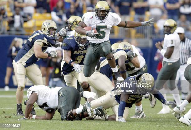 South Florida's Ricky Ponton in action against the Pittsburgh Panthers at Heinz Field in Pittsburgh Pennsylvania on October 15 2005