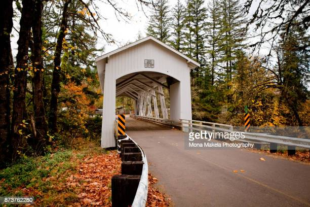 south fork santiam river short covered bridge, oregon - covered bridge stock pictures, royalty-free photos & images