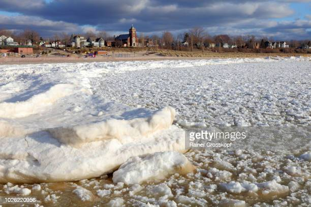 south haven on lake michigan in winter - rainer grosskopf stock pictures, royalty-free photos & images