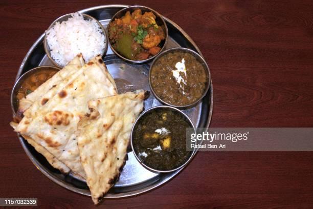 south indian thali plate dish flat lay - rafael ben ari 個照片及圖片檔