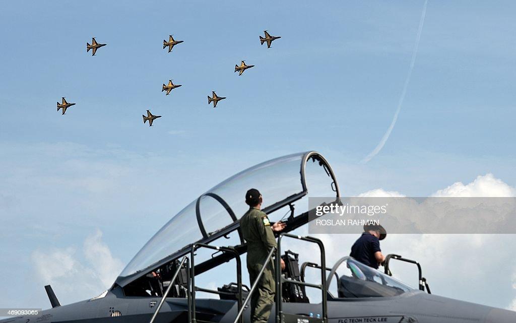 SINGAPORE-ASIA-AEROSPACE-AVIATION : News Photo