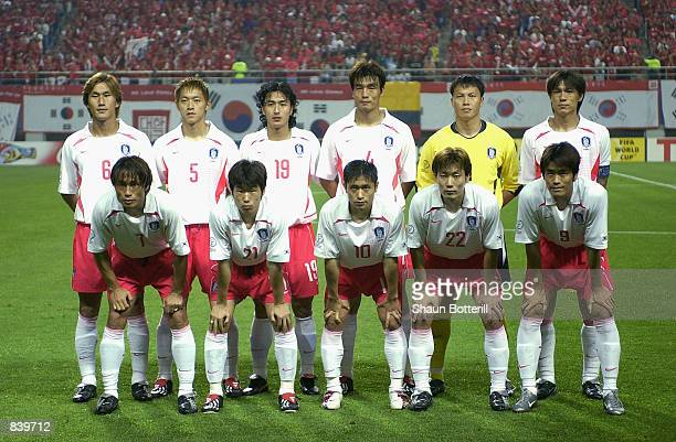 South Korea team group taken before the FIFA World Cup Finals 2002 Second Round match between South Korea and Italy played at the Daejeon World Cup...